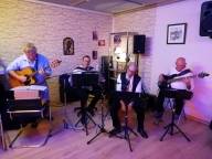 Auberge espagnole avec orchestre